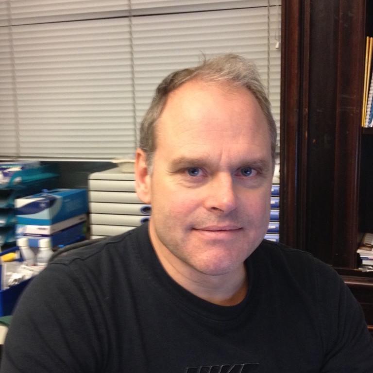 Dr. Johan Holmgren | Idrottsmedicinläkare Vasakliniken